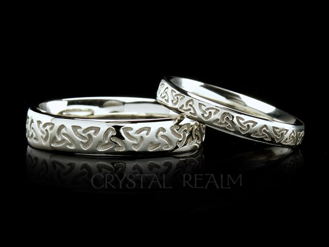 Celtic trinity knot wedding band