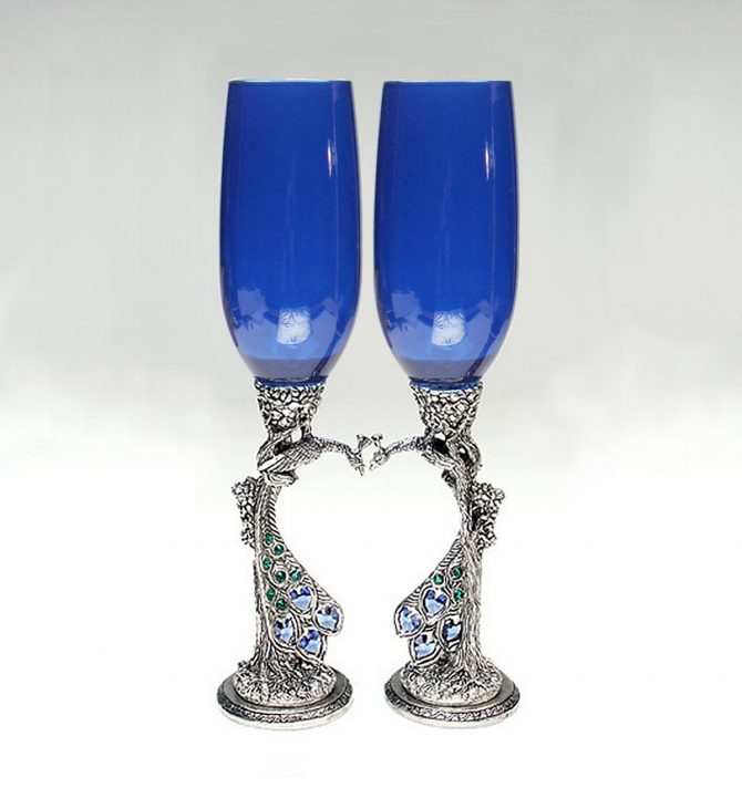 peacock heart royal blue toasting flutes with austrian crystal hearts